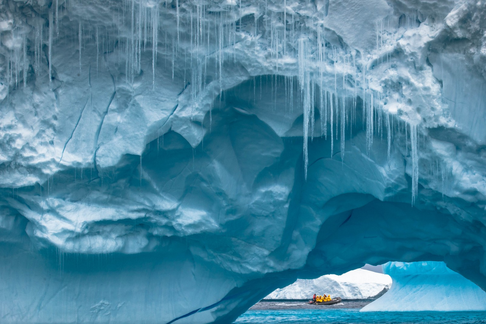 Voyage to the Arctic and Antarctic – Your bucket list destinations!