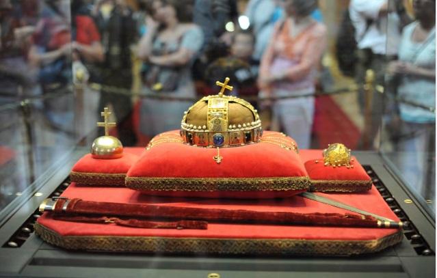 Budapest Crown