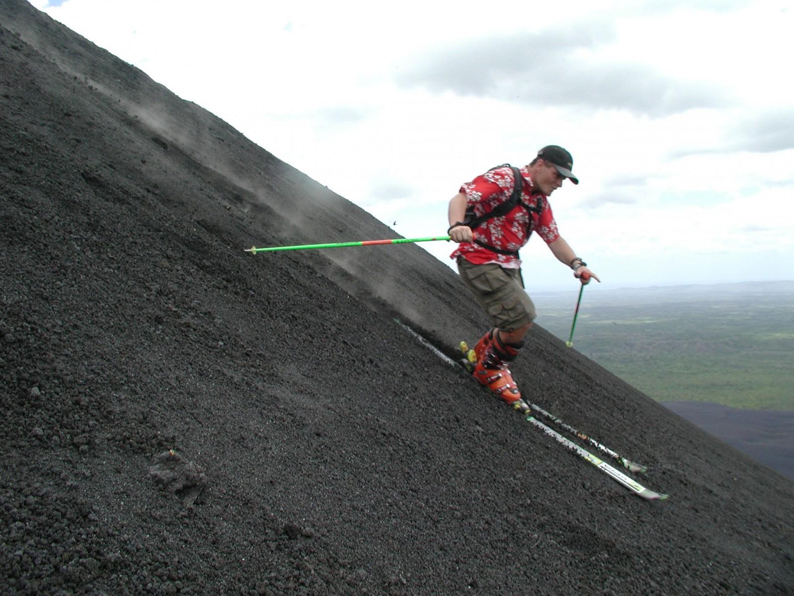 Cerro Negro Volcano, Sandboarding, Leon, Nicaragua, Pixabay.com
