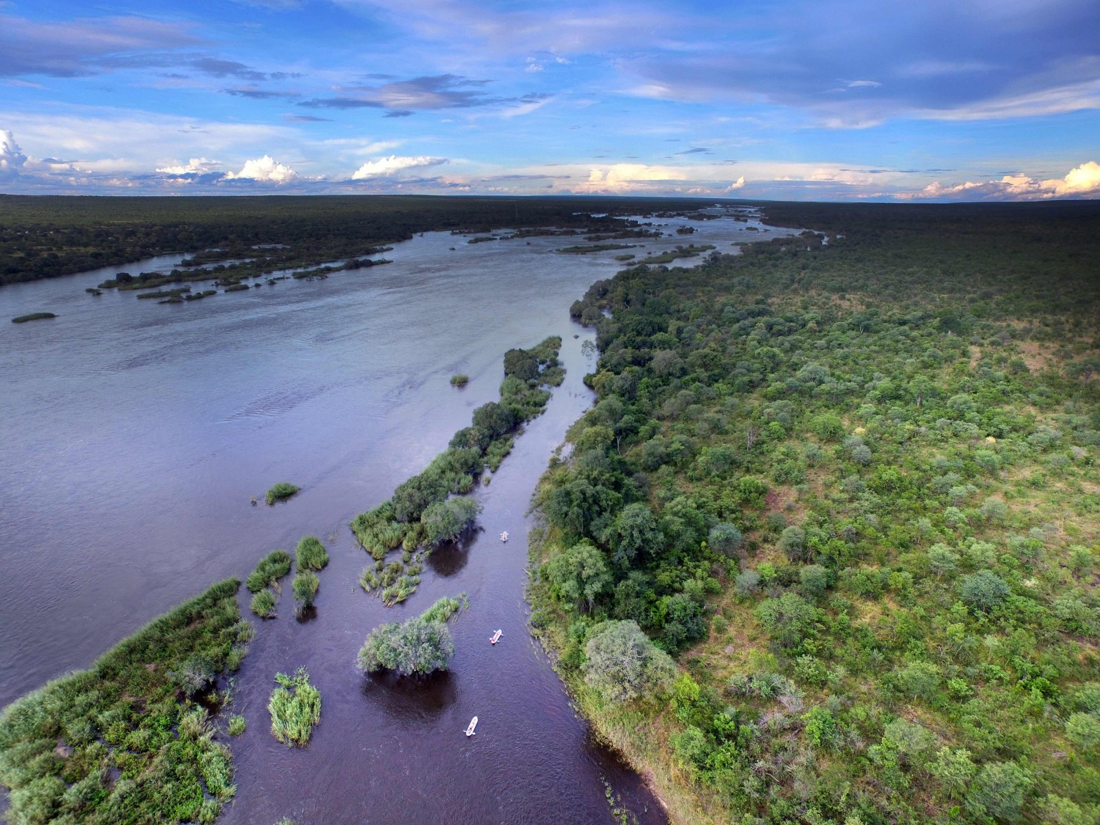 Zambezi river, Zambezi National Park, Zimbabwe, Africa, Supplier Website