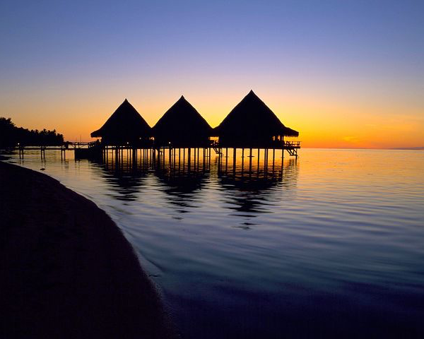 Luxury Honeymoon in Tahiti  (10 days)