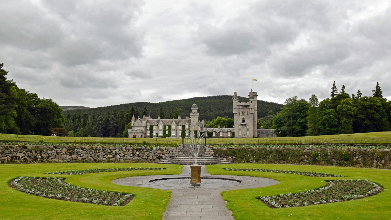 Balmoral Castle, Scotland, Uk, Pixabay.com