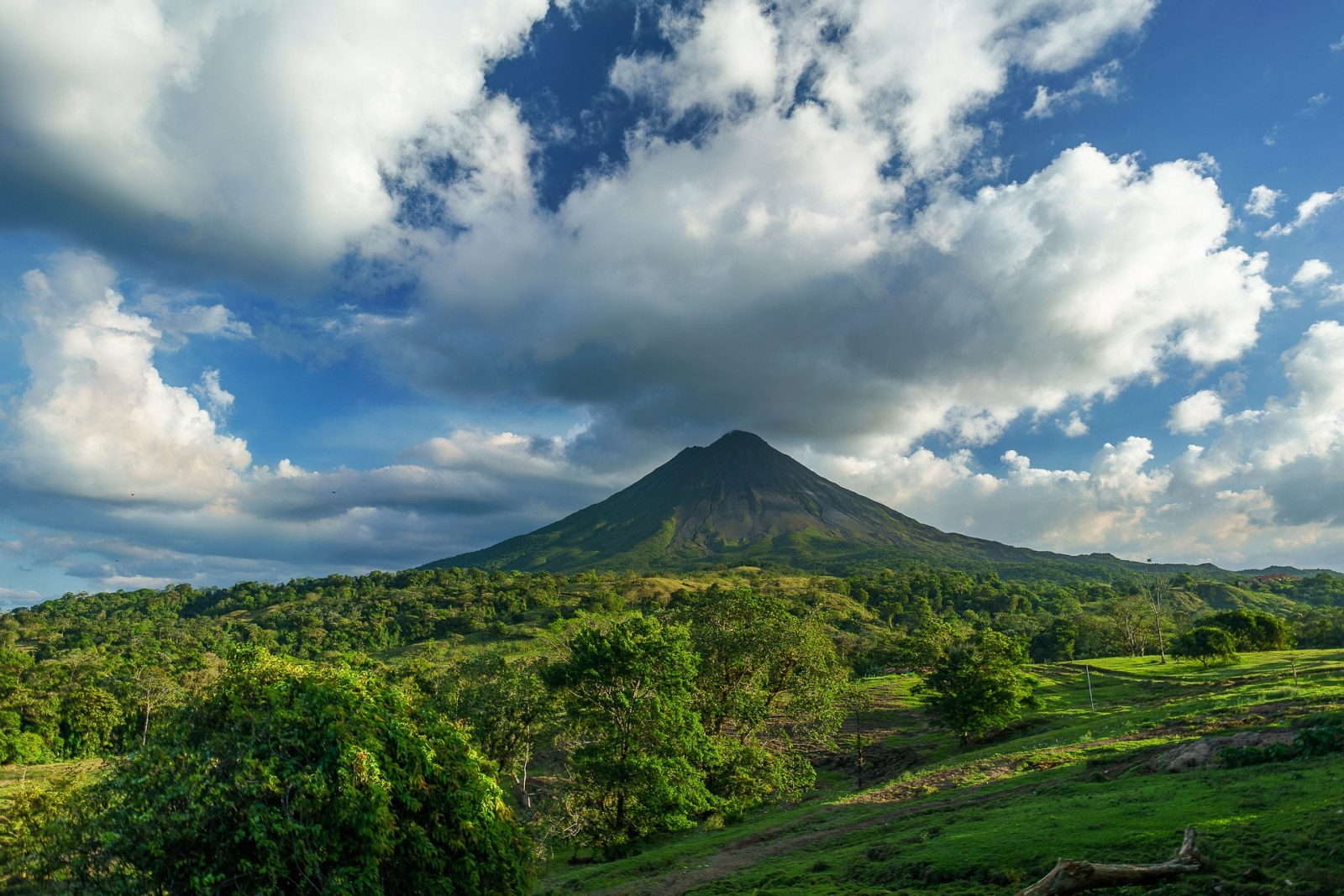 Arenal volcano, Costa Rica, Pixabay.com